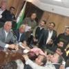 العشرات من المطالبين بوحدات سكنية يقتحمون مبنى محافظة السويس